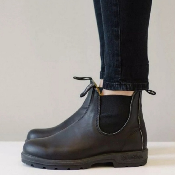 06fb30f89ea New Blundstone 510 Black Leather Chelsea Boots NWT
